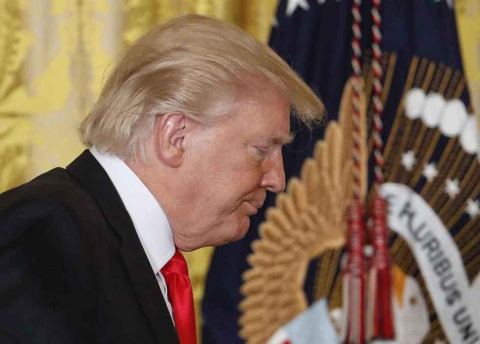 Le premier mois de Donald Trump à la Maison Blanche est très loin des attentes. (crédits photos P.MARTINEZ/AP/SIPA pour 20 minutes).